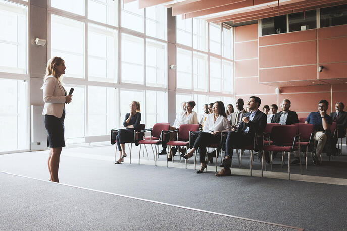 How to Become a CEO (+Advice from 5 Leaders)