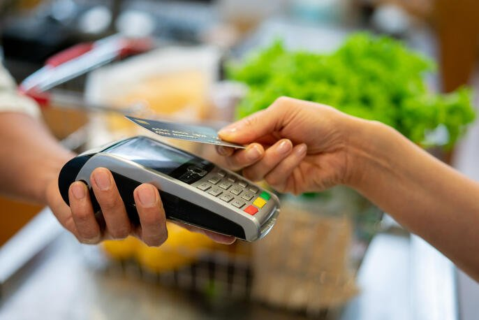 How to Accept Credit Card Payments Easily: Ideas and Examples